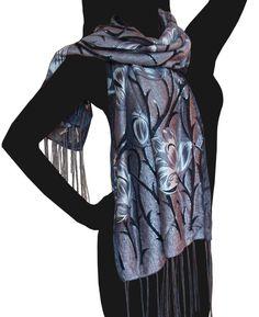 Hodvábna šatka Kinnari šedá|hodvábne šatky|kašmírové šále|prikrývky na postel|outlet|hodváb|kašmír|prehozy na postel|šatka|šál|šatky