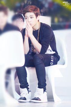 Jungkook Oppa so cute just sittin there