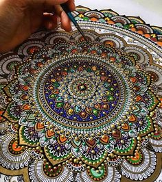 New Painted Mandalas Gilded with Gold Leaf by Artist Asmahan Rose Mosleh love working with Gold leaf gilding paint. I literally fall in love every time. United Kingdom based artist Asmahan A. The peaces, often gilded with gold leaf, begin with a pencil ou Mandala Design, Mandala Dots, Mandala Canvas, Mandala Artwork, Mandalas Painting, Mandalas Drawing, Zentangles, Doodle Inspiration, Mandala Art Lesson