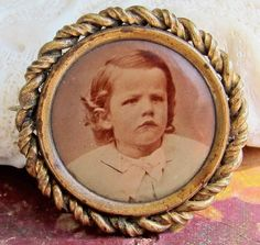 Antique Mourning or Sweetheart Pin Brooch Memento Photograph Jewelry