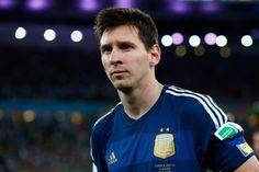 Messi recebe prêmio de melhor da Copa apesar do vice - Futebol - R7 Copa do Mundo 2014