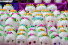 Calaveras de azúcar by Arekuzu, via Flickr
