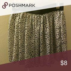 Animal print skirt Elastic waistband animal print skirt. Fabric is almost silk like Skirts Mini