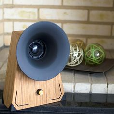 Bell: The Bluetooth Sound Machine. Retro wood Bluetooth