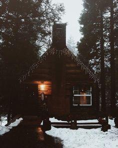 Cabin & Cottage - grace–upon–grace: Jesse Torres Winter Cabin, Cozy Cabin, Cozy Cottage, Cozy Winter, Cabin In The Woods, Log Cabin Homes, Log Cabins, Little Cabin, Le Havre