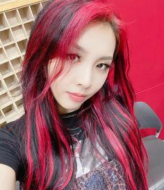 Cute Hair Colors, Hair Dye Colors, Hair Color Streaks, Hair Highlights, Hair Inspo, Hair Inspiration, Cabelo Inspo, Multicolored Hair, Dye My Hair