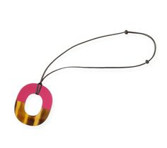 Isthme Hermes pendant in buffalo horn and lacquer Azalea laquered wood.
