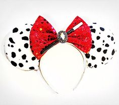 Simple Marvelous Cruella De Vil Mouse Ears - The Trend Disney Cartoon 2019 Disney Diy, Diy Disney Ears, Disney Bows, Disney Crafts, Disney Outfits, Disney Clothes, Disney Costumes, Disney Girls, Adult Costumes