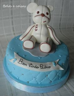 Bolos e coisas - Bolos decorados (Cake Design): Kiconico Cake Design, Novelty Cakes, Bears, Desserts, Food, Decorating Cakes, Stuff Stuff, Deserts, Tailgate Desserts
