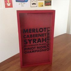 Bom dia!! Amei a encomenda de hoje, to até pensando em reformar os quadros aqui de casa! ❤️ #quadrodevinhos #vinho #wine #merlot #cabernet #syrah #pinotnoir #champagne #lambrusco #winelover