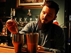 Z Bar-Wissenschaft mit Joshi:  Das Mischen alkoholischer Getränke mit zuckerfreien Softdrinks macht dich 18% schneller betrunken als das Mischen mit normalen Softdrinks 🤔 ❓❓ Also, welche Softdrink bevorzugt Ihr ❓❓ Grüße aus der Z Bar Offenburg 💜💤das ganze Wochenende wieder bis 5 Uhr für Euch im Einsatz....