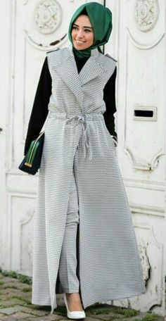 Hijab styles 1688918586949474 - Hulya Aslan Source by hauwaabbas Modest Outfits, Modest Fashion, Hijab Fashion, Modest Dresses, Stylish Hijab, Casual Hijab Outfit, Stylish Outfits, Muslim Dress, Hijab Dress