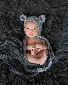 Ana Brandt Photography We adore little boys! We have quite a collection of hats, wraps, diaper covers, rompers and every basket, bucket and bed you can think of! We usually suggest toddler boys and Dads wear solid simple clothing in lighter colors to compliment our collections.