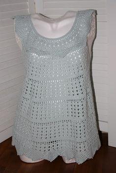 http://unefilleauboutdufil.blogspot.be/search/label/TUNIQUES  Pelotes utilisées : Phil Crochet de Phildar  Coloris bleu opal  Crochet n°2.5