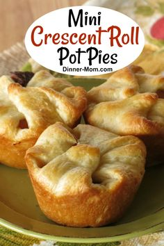 Easy Crescent Roll Pot Pies with beef and veggies in red wine sauce! Simple to make using Pillsbury crescent rolls to make the crust. Kids and adults will love these! Crescent Dough Sheet Recipes, Pillsbury Crescent Roll Recipes, Recipes Using Crescent Rolls, Pillsbury Recipes, Cresent Roll Appetizers, Mini Pot Pies, Beef Pot Pies, Finger Food Appetizers, Appetizer Recipes