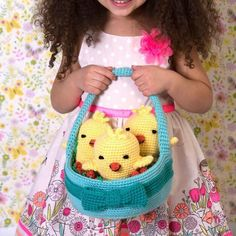 Yarnspirations is the spot to find countless free easy crochet patterns, including the Red Heart Three Chicks in a Basket. Browse our large free collection of patterns & get crafting today! All Free Crochet, Crochet For Kids, Easy Crochet, Crochet Hooks, Crochet Baby, Crochet Blankets, Easter Crochet Patterns, Crochet Decoration, Yarn Tail