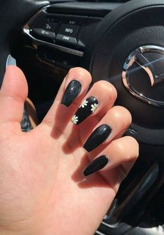 Long Black Nails, Black Nails With Glitter, Black Coffin Nails, Acrylic Nails Coffin Short, Black Nail Art, Best Acrylic Nails, Glitter Nail Art, Black Ombre, Edgy Nails