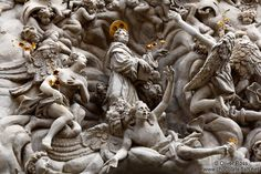 Image from http://www.chocolate-fish.net/albums/Czech/Old_Town/Prague-old-town-church-facade-detail.jpg.