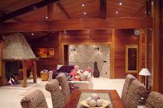 Resultado de imagem para casa de madeira interior