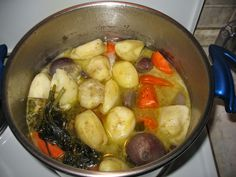 Greek Beauty, Ms Gs, Greek Recipes, Sprouts, Sweet Home, Soup, Potatoes, Cooking Recipes, Chicken