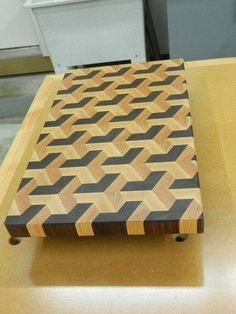 Make an end-grain cutting board | Woodworking for Mere Mortals  #WoodworkingProjects