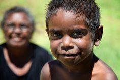 Nana and son - Aranda people - Central Australia - www.electronicswagman.com.au