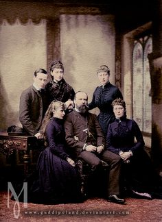 he family of Grand Duke Louis IV of Hesse and by Rhine (center).