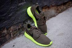 NIKE Roshe Run - Tarp Green   Sneaker   Kith NYC