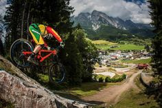 Leogang, Austria – the fourth stop of WC tour. Our team arrived to Leo on Thursday morning straight from Fort William. The track was changed a bit compared to last years. New top section and a few c