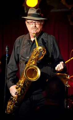 Tower of Power, Stephen Kupka - The Funky Doctor. The Best Baritone Saxophone player ever. Baritone Sax, Tower Of Power, Saxophone Players, All That Jazz, Jazz Musicians, Rock Concert, Music Photo, Big Men, Painting Inspiration