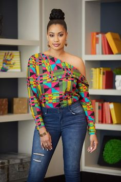 African Inspired Fashion, Most Beautiful Women, Capri Pants, Style Inspiration, Blouse, Clothes, Black, Tops, Street Styles
