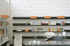 Web Stopper designed by Menguzzato & Nascimben for Casamania is aluminium system and shelf with essential lines which fit in every work space both for dimension and colour. Wall Shelves, Shelf, Kids Bedroom, Floating Shelves, Bookends, Bookcase, Contemporary, Interior Design, Space
