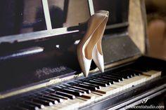 Wedding white shoes on piano #wedding #tuscany #florence