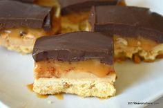 felie de prajitura snikers reteta caramel alune