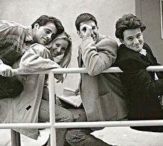 Some good rares pictures 😍 Friends Cast, Friends Moments, Friends Series, Friends Tv Show, Best Friends, Best Series, Best Tv Shows, Favorite Tv Shows, Ross Geller