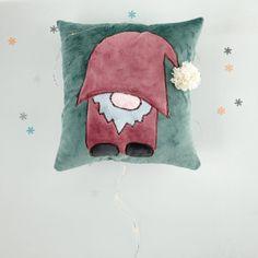Poduszka ze skrzatem