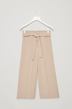 COS image 11 of Belted high-waist trousers in Khaki Beige Trousers Women, Pants For Women, Cos Stores, Modern Wardrobe, Playing Dress Up, Everyday Fashion, Korean Fashion, Work Wear, What To Wear