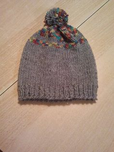 Domestic, traditional hand-knitted hats from wool or cotton and bamboo yarn. Caps are soft honestly made by hand, on order. If interested, please indicate head circumference, height caps, color yarn that you prefer: a single color, single color with stripes, batik. Material: Wool. Price: € 15 Yarn Colors, Hand Knitting, Knitted Hats, Bamboo, Stripes, Cap, Traditional, Wool, Creative