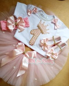 Fantasia Princesa Coroa no Baby Tutu, Baby Dress, Little Girl Dresses, Flower Girl Dresses, Diy Bebe, Foto Baby, Baby Girl Birthday, Birthday Dresses, Kids Wear