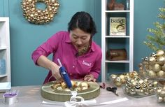 Video: Make an easy ornament wreath | BeadStyleMag.com