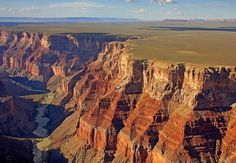 Top 10 Tourist Attractions in Arizona: Thinking of Arizona stirs up images of marvelous land formations like red canyons, cactus deserts, and mountains as well as man-made attractions like engineering marvels, esteemed museums, vibrant cities and historic settlements. Since its admission to the Union as the 48th state, Arizona has been a popular tourist destination, and with world-famous attractions like the Grand Canyon, the Hoover Dam and Saguaro National Park, that is not surprising.
