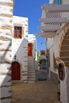 Houses in Skala of Patmos island, Dodecanese, Greece Beautiful Islands, Beautiful Places, Amazing Places, Beautiful People, Visit Turkey, Mediterranean Homes, Imagines, What A Wonderful World, Ancient Greece