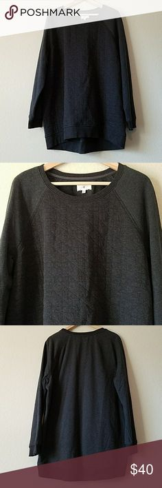 """Lou & Grey Gray Quilted Sweatshirt size XL Measures approximately 24"""" from pit to pit, 30"""" long, 24"""" sleeves. Light wear. Lou & Grey Tops Sweatshirts & Hoodies"""