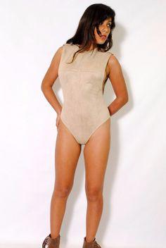 (alx) Side less authority beige bodysuit