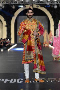 Nomi Ansari - Pakistan Bridal Week 2013 15 width=