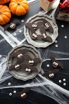 4-ingredient Bat Halloween Treats
