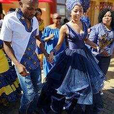 Shweshwe Traditional Attire For African Women's 2019 - Traditional Attire African Traditional Wedding Dress, Traditional Wedding Attire, Traditional Dresses, Traditional Weddings, African Print Dresses, African Print Fashion, African Dress, African Wedding Theme, African Weddings