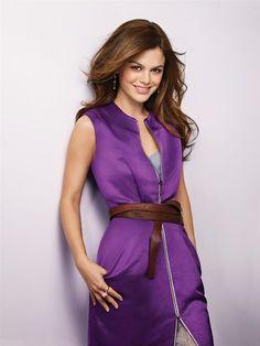 Rachel Bilson in Purple Dress Voucher, Rachel Bilson, Kendall Jenner Outfits, Brunette Girl, Victoria Dress, Tokyo Fashion, Indian Celebrities, Down Hairstyles, Violet