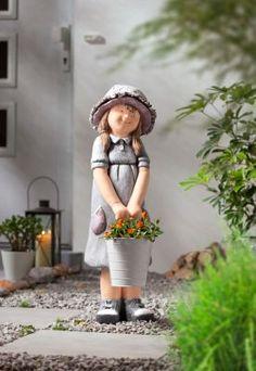 Zauberhaftes Blumenmädchen für drinnen & draußen mit Metalleimer zum Bepflanzen Lisa, Hipster, Hats, Style, Fashion, Indoor, Home And Garden, Figurine, Plants