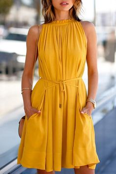 The dress is featuring round neck, sleeveless, solid color and midi length. The dress is casual and elegant. The dress is suitable for party, vacation, daily wear and many occasions. Style Outfits, Fashion Outfits, Womens Fashion, Fashion 2018, Ladies Fashion, Fashion Tag, Fashion Spring, Cheap Fashion, Fashion Trends
